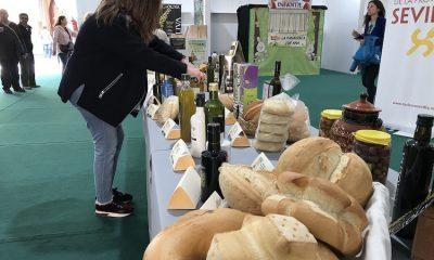 AionSur Feria-dipu-aceite-2-400x240 El pan, el aceite y la aceituna de Sevilla se visten de largo en la Diputación Diputación Economía Prodetur destacado