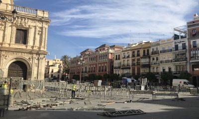 AionSur Palcos_Montaje_1-400x240 Cara y cruz de la Semana Santa en Sevilla: se montan palcos pero se suspenden ensayos Coronavirus Salud Semana Santa Sevilla  destacado