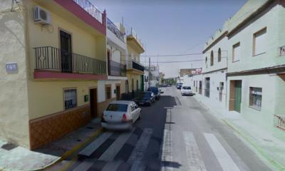 AionSur alcala-calle-400x240 Evacuado un hombre tras un incendio en Alcalá de Guadaíra Incendios Sucesos