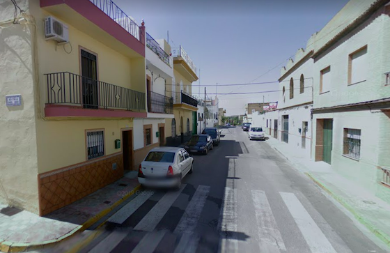 AionSur alcala-calle-560x363 Evacuado un hombre tras un incendio en Alcalá de Guadaíra Incendios Sucesos