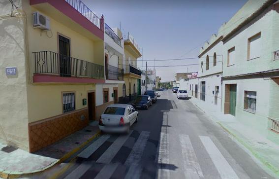 AionSur alcala-calle Evacuado un hombre tras un incendio en Alcalá de Guadaíra Incendios Sucesos