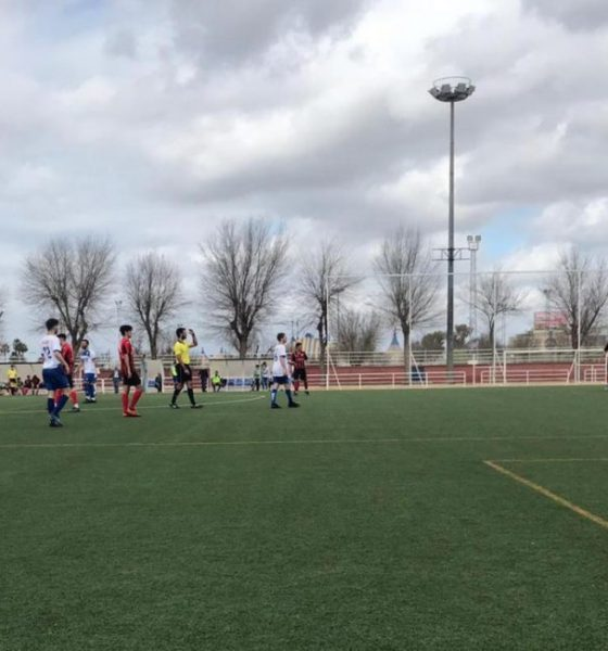 AionSur arahal-futbol-560x600 Triana, fútbol y aparte Arahal Deportes Fútbol  destacado