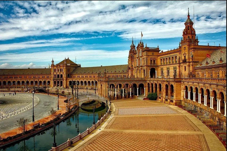 AionSur sevilla-enamora-compressor Los monumentos más importantes de Sevilla Sevilla