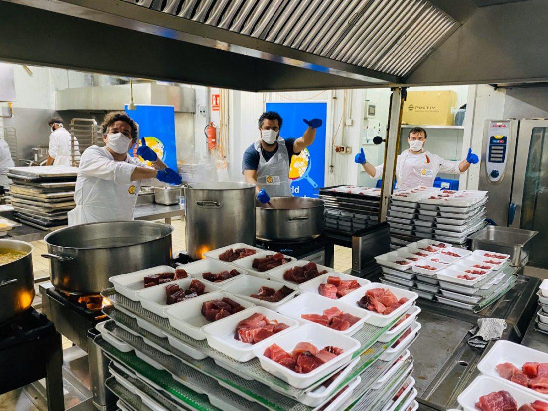 AionSur 4-compressor Alcalá Solidaria reparte más de cien menús diarios para personas con vulnerabilidad hasta el fin del confinamiento Alcalá de Guadaíra