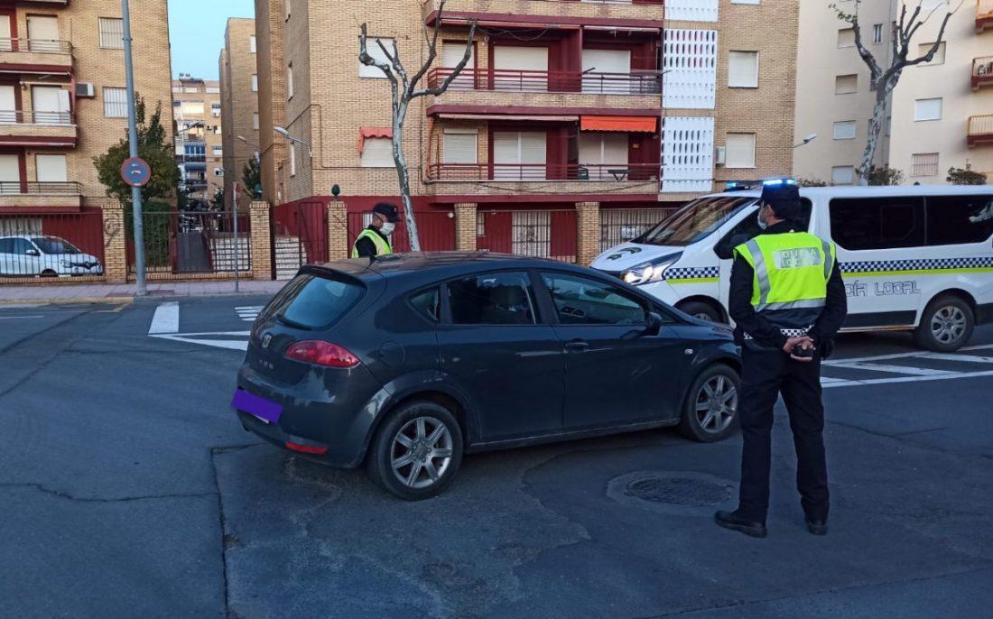 """AionSur Antilla-coches-4 Medio centenar de denuncias por irse de """"vacaciones"""" de Semana Santa a La Antilla Coronavirus Huelva"""