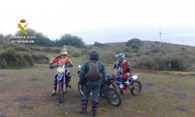 AionSur MOTOCROSS_1-compressor-400x240 La Guardia Civil sorprende a tres personas practicando motocross en terreno de caza Coronavirus Sucesos  destacado
