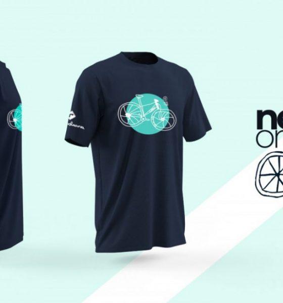 AionSur camiseta-sillon-azul-560x600 Un niño de 10 años diseña una camiseta para ayudar al proyecto 'El sillón azul' Ecija Salud