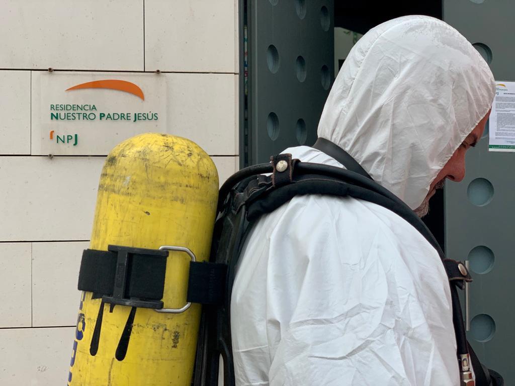 AionSur coronavirus-bomberos Los bomberos de la Diputación recorren la provincia con labores de desinfección Coronavirus Diputación Provincia