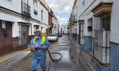 AionSur desinfección-400x240 El Gobierno avisa de que Arahal y Paradas podrían ser confinados, entre otros pueblos andaluces Coronavirus destacado