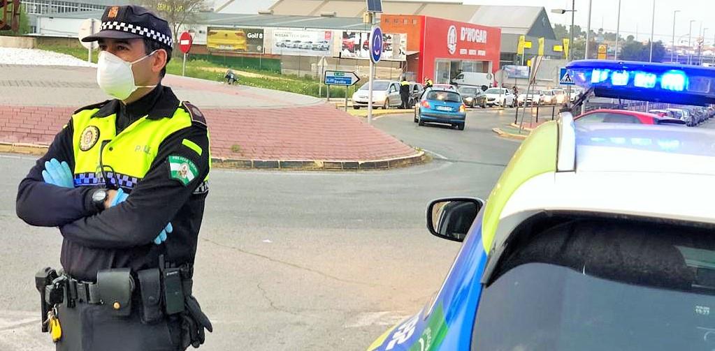 AionSur: Noticias de Sevilla, sus Comarcas y Andalucía policia-castilleja Multan a un vecino de Bormujos por ir a una gasolinera solo a comprar caramelos Castilleja de la Cuesta Coronavirus