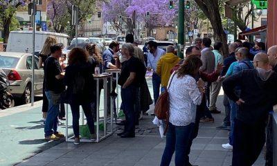 AionSur Bar-Policia-400x240 Denuncian a un bar de Sevilla que tenía el doble de mesas y una treintena de clientes fuera Coronavirus Sevilla  destacado