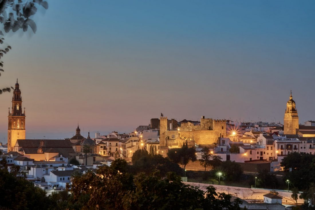 AionSur: Noticias de Sevilla, sus Comarcas y Andalucía Carmona-luces A concurso la renovación de la iluminación en Carmona, por casi un millón de euros Carmona