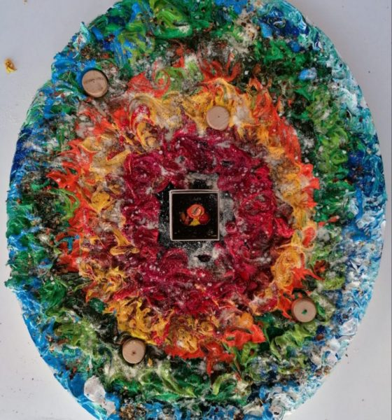 AionSur Cuadro-Maria-Jose-560x600 Una médica onubense convierte al COVID-19 en obra de arte Coronavirus Cultura Pintura