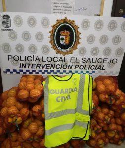 AionSur: Noticias de Sevilla, sus Comarcas y Andalucía naranjas-saucejo-253x300 Los paran en un control y llevaban 200 kilos de naranjas robadas, drogas y armas blancas El Saucejo Sucesos