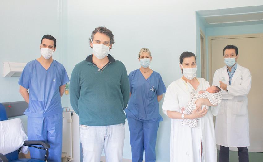 AionSur parto-hospital Da a luz a un niño sano tras superar el coronavirus durante el embarazo Coronavirus Salud Sevilla