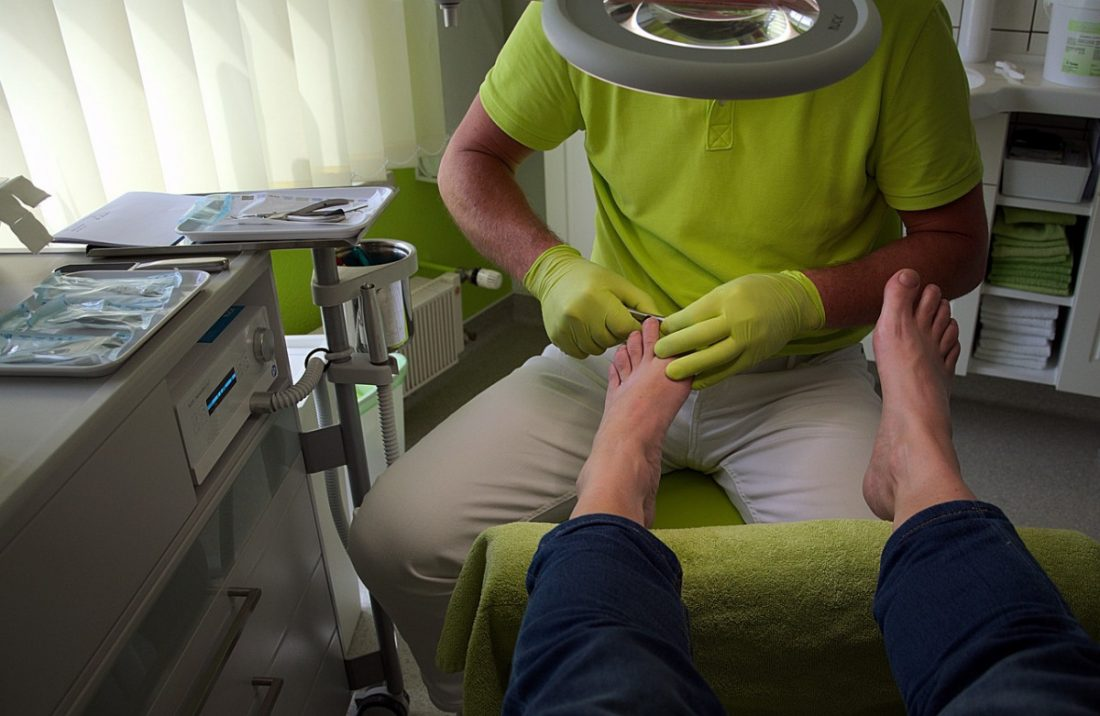 AionSur podologo Aviso de los podólogos: el confinamiento ha hecho daño a los pies por no cuidarlos Coronavirus destacado