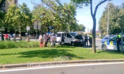 AionSur policia-sevilla-6-400x240 Inmovilizan una furgoneta con 12 personas hacinadas viajando entre la carga Coronavirus Sevilla Sucesos
