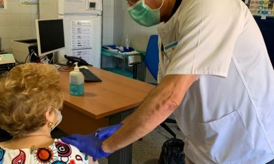 AionSur DOS-HERMANAS-VACUNAS1-min-400x240 Se inicia la campaña de vacunaciones para meningitis y neumonía en atención primaria de Dos Hermanas Enfermedades Salud