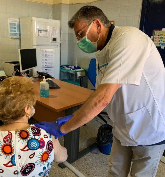 AionSur DOS-HERMANAS-VACUNAS1-min-560x600 Se inicia la campaña de vacunaciones para meningitis y neumonía en atención primaria de Dos Hermanas Enfermedades Salud