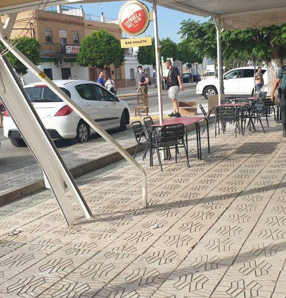 AionSur Guillena-sucesos-560x583 Detenido tras atropellar a varias personas en la terraza de un bar de Guillena Guillena Sucesos