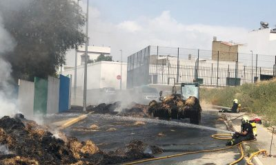 AionSur bomberos-AION-400x240 Dos bomberos luchan contra un incendio en Arahal sin fuerzas por el calor y desde el suelo Arahal Sucesos destacado