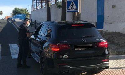 AionSur coche-policia-400x240 Un policía de Castilleja capta un carné falso suizo y denuncia a un conductor Castilleja de la Cuesta Sociedad