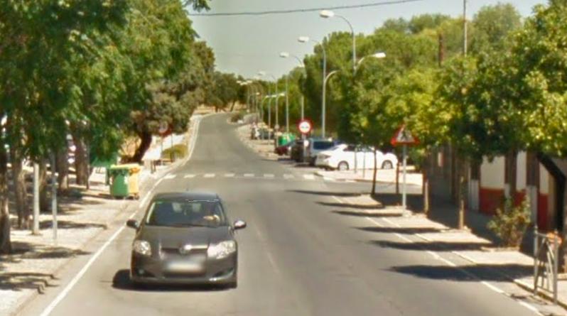 AionSur: Noticias de Sevilla, sus Comarcas y Andalucía gerena-accidente Evacuado en helicóptero un ciclista tras un accidente a la salida de Gerena Gerena Sucesos destacado