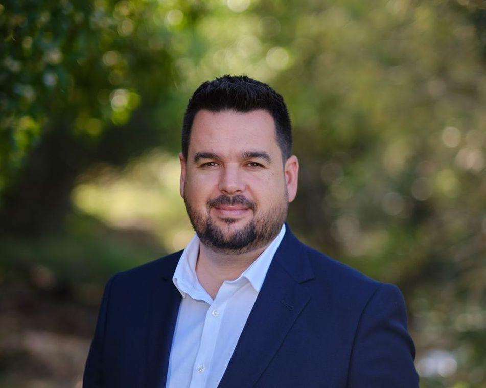 AionSur romualdo-alcalde-gines El alcalde de Gines contempla la cifra de 100 discursos desde el inicio del estado de alarma Coronavirus Provincia
