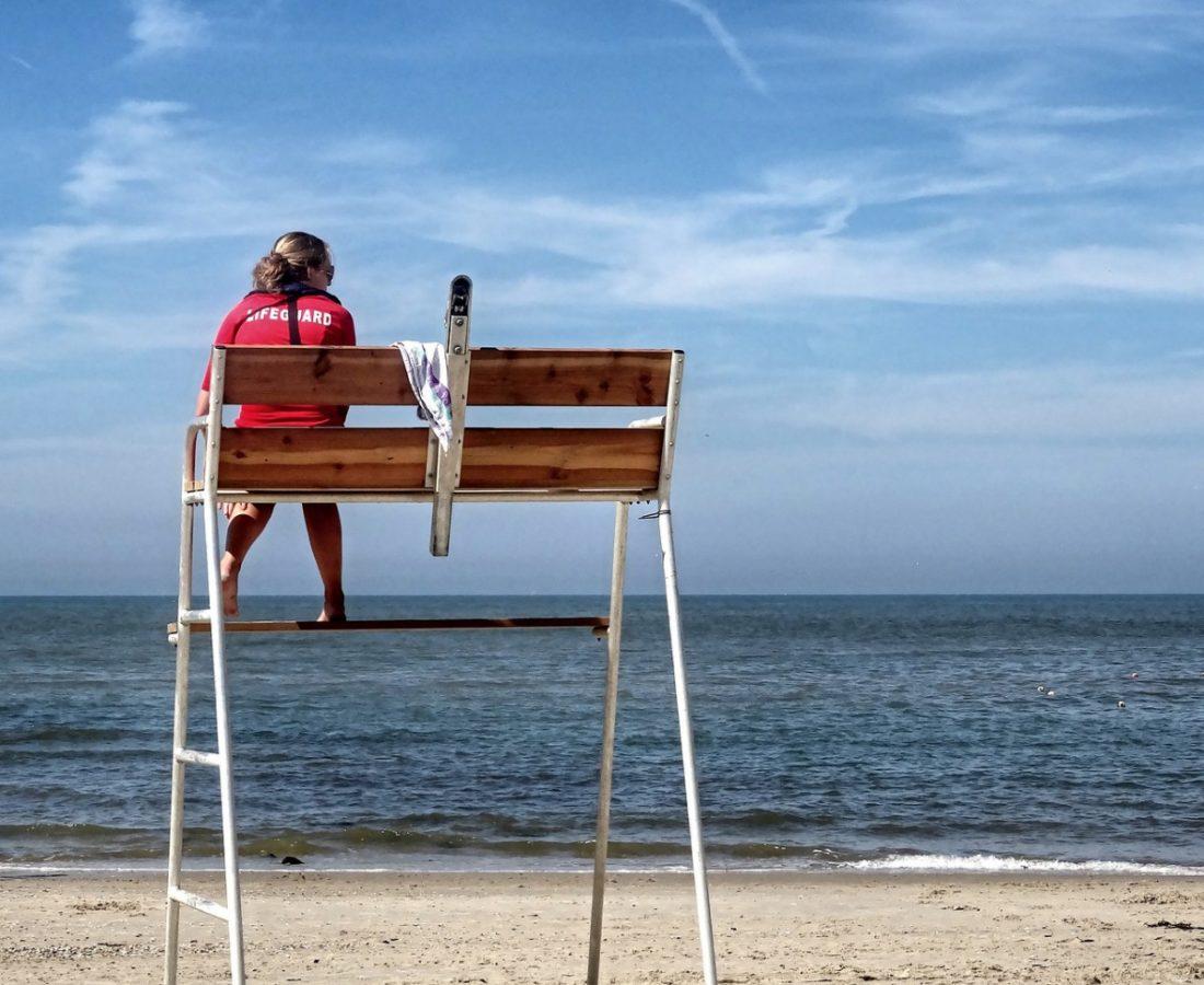 AionSur: Noticias de Sevilla, sus Comarcas y Andalucía socorrista Ofertan 28 plazas de socorristas para trabajar en la playa este verano Economía Huelva