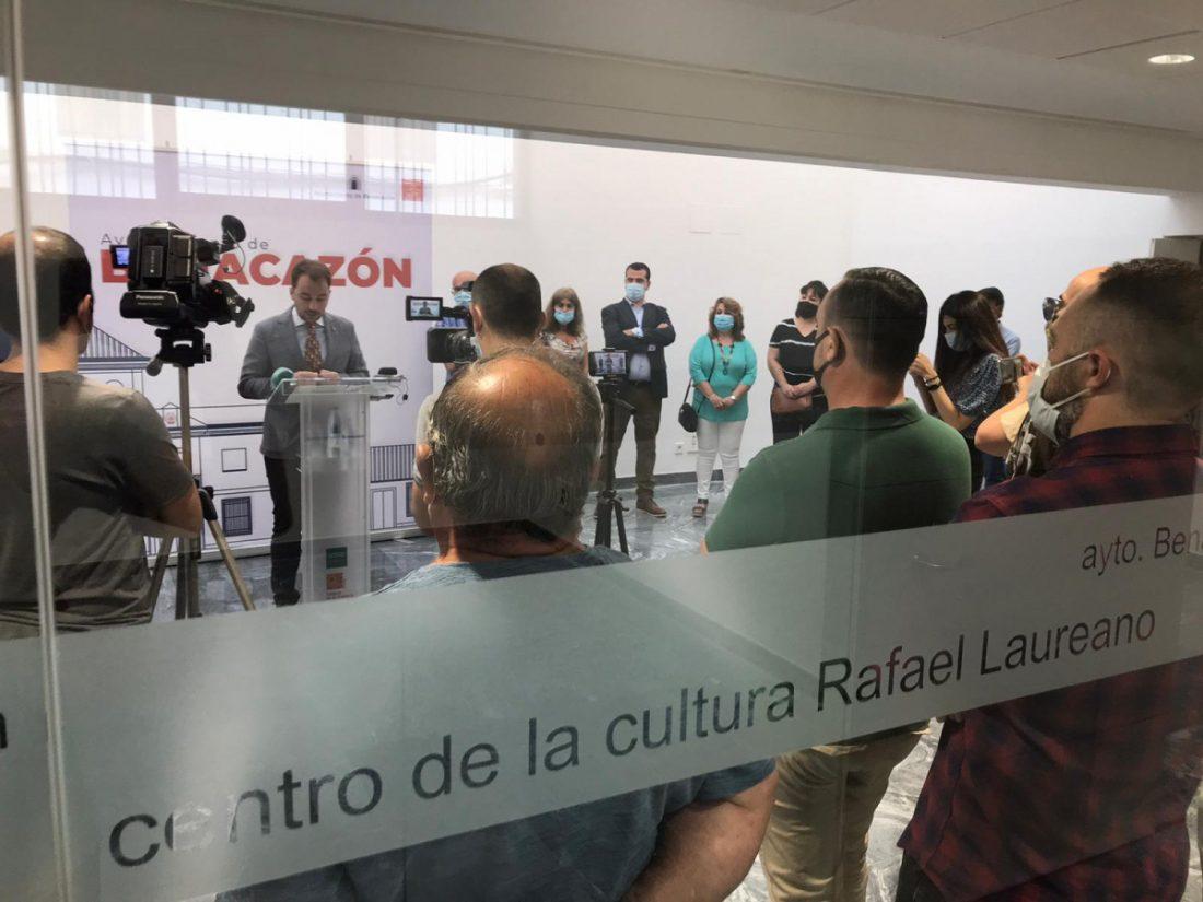 AionSur Benacazon-centro-1 El pintor Rafael Laureano ya tiene un centro cultural con su nombre Benacazón