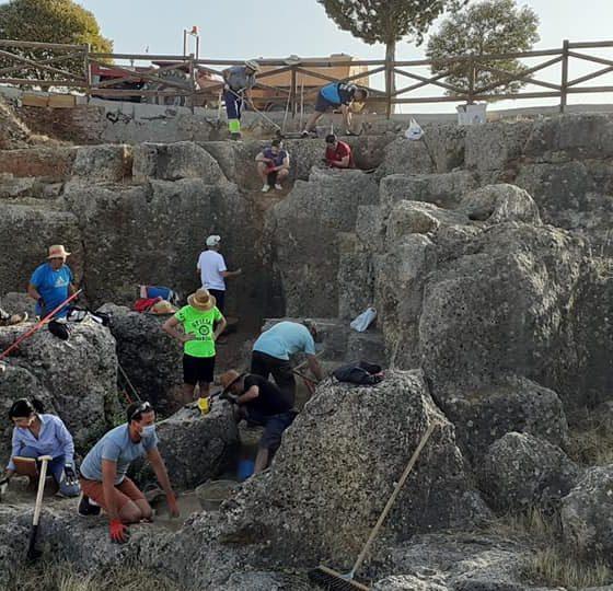 AionSur Casariche-excavaciones-560x540 El nuevo yacimiento romano de Casariche comienza a ver la luz Casariche Provincia Sociedad
