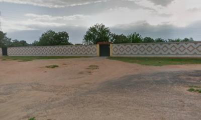 AionSur Dos-hermanas-calle-400x240 Una mujer mata a dos vecinos en Dos Hermanas con un cuchillo tras atropellarles Dos Hermanas Sucesos destacado