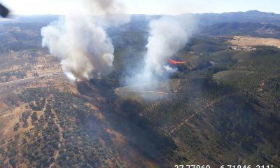 AionSur Incendio-Almonaster-400x240 Arde un paraje natural en Almonaster la Real, en el corazón de la sierra de Huelva Huelva Incendios Forestales Sucesos
