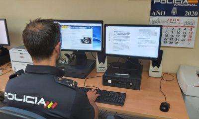 AionSur Policia-Sevilla-400x240 Detenido tras escuchar dos policías cómo agredía a su pareja Sevilla Sucesos Violencia Machista