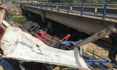 AionSur Puente-Huelva-400x240 Muere una mujer tras caer un camión por un puente en la A-49, en Huelva Huelva Sucesos