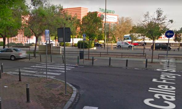 AionSur calle-Sevilla-590x354 Lanza a su pareja embarazada de un coche durante una discusión en Sevilla Sevilla Sucesos Violencia Machista destacado