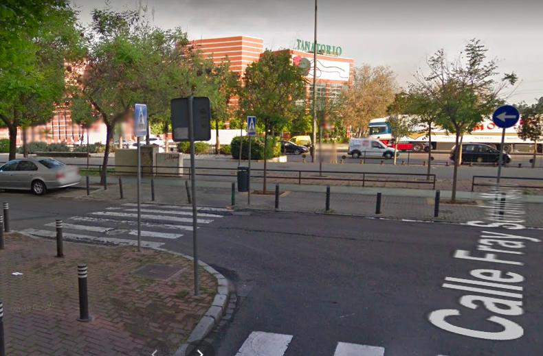AionSur calle-Sevilla Lanza a su pareja embarazada de un coche durante una discusión en Sevilla Sevilla Sucesos Violencia Machista destacado