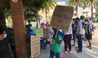 AionSur inmigrantes-manifa-1-400x240 Los inmigrantes que han perdido sus chabolas en incendios piden que se les ayuden Huelva Sucesos