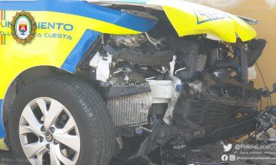 AionSur Accidente-policia-400x240 Dos policías heridos cuando iban a toda prisa a socorrer a una mujer Castilleja de la Cuesta Sucesos destacado