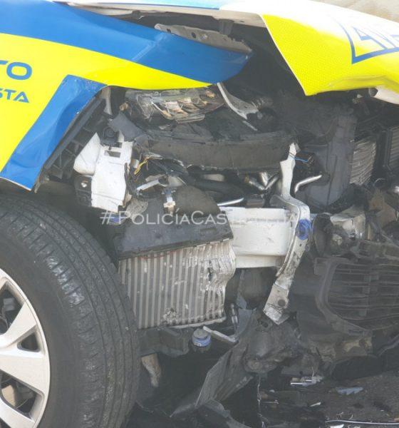 AionSur Accidente-policia-560x600 Dos policías heridos cuando iban a toda prisa a socorrer a una mujer Castilleja de la Cuesta Sucesos destacado