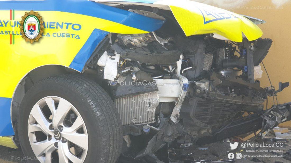 AionSur Accidente-policia Dos policías heridos cuando iban a toda prisa a socorrer a una mujer Castilleja de la Cuesta Sucesos destacado