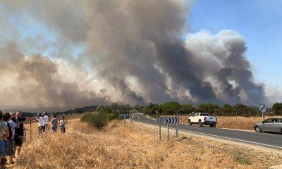 AionSur: Noticias de Sevilla, sus Comarcas y Andalucía Incendio-Huelva-1-400x240 El incendio en la sierra de Huelva obliga a desalojar a 520 personas Incendios Forestales destacado