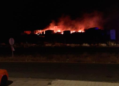 AionSur: Noticias de Sevilla, sus Comarcas y Andalucía Incendio-Lepe El fuego se ensaña de nuevo con las chabolas de inmigrantes en Lepe Sucesos destacado