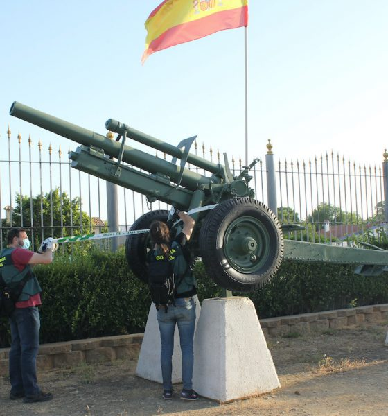 AionSur arma-guerra-560x600 Denunciado un vecino de Mairena del Alcor por tener un arma de guerra en su finca Mairena del Alcor Sucesos