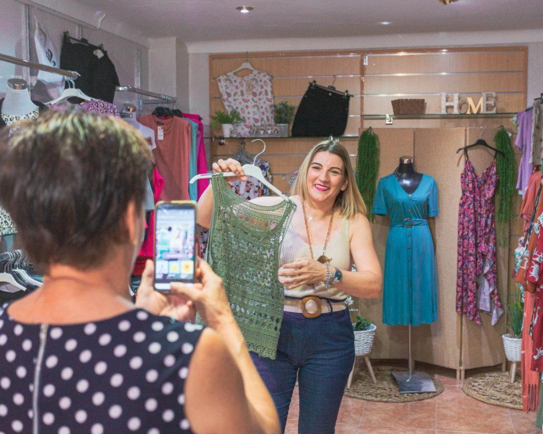 AionSur fedbccf4-be2c-4cbd-ab6c-62e1f224500a-min Modas Pepi, de tienda de barrio en Arahal a top ventas por internet Arahal Sociedad destacado