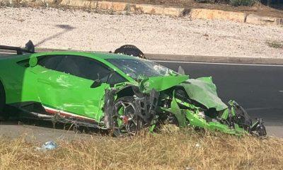 AionSur lamborgini-400x240 Abandonan un Lamborghini en Huelva tras chocar contra un transformador eléctrico Huelva Sucesos destacado