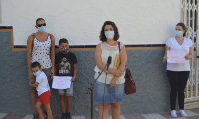 AionSur Pedrera-protesta-400x240 Los niños de cuatro años no van a clase en Pedrera por superar la ratio Coronavirus