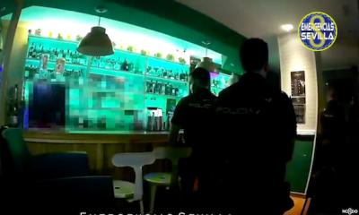 AionSur Policia-Sevilla-400x240 Desalojan de madrugada un bar de Sevilla con clientes escondidos en el baño Coronavirus destacado