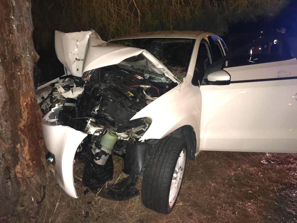AionSur accidente-Huelva Cuatro heridos tras salirse de la carretera y empotrarse contra un árbol Sucesos