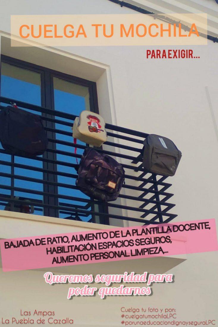 AionSur e9f3ad17-0084-4b11-99e3-85f50b10f5a1-min Las AMPAs de La Puebla cuelgan mochilas en los balcones para pedir más seguridad en los centros educativos La Puebla de Cazalla destacado